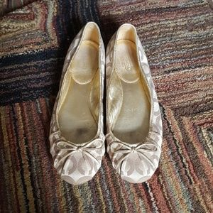"""COACH Golden Classic """"C"""" Logo Flats with Bows 8.5M"""